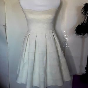 DEE ELLE Applique Off White Strapless Dress Small
